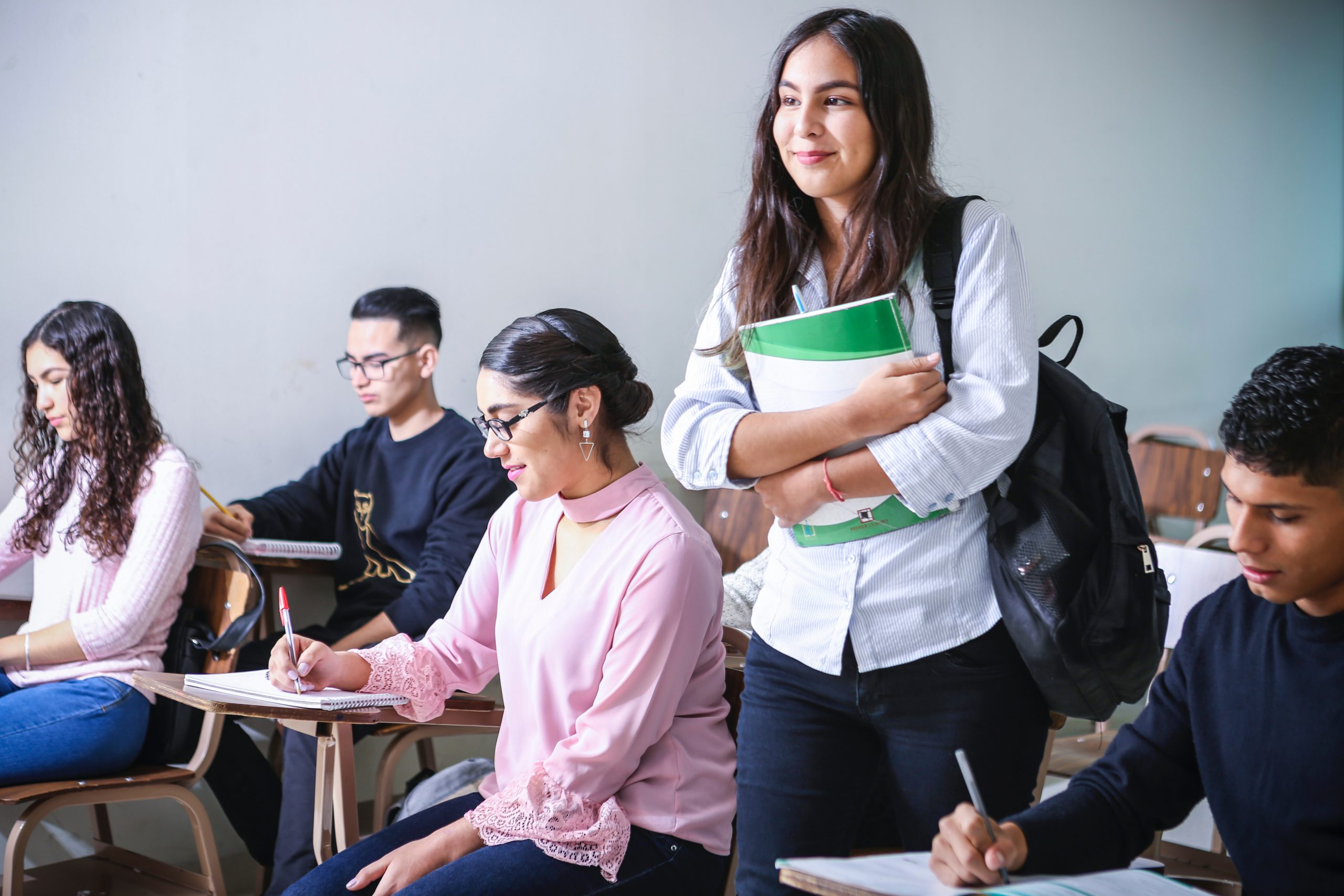 How are Canadian Schools Handling the Ever-Expanding Number of International Students?